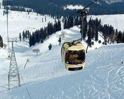 Roverholidays: Gulmarg Tour Package